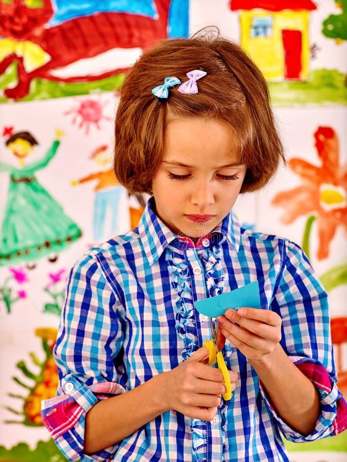 Dziecko obraz przy sztalugą obrazy stock