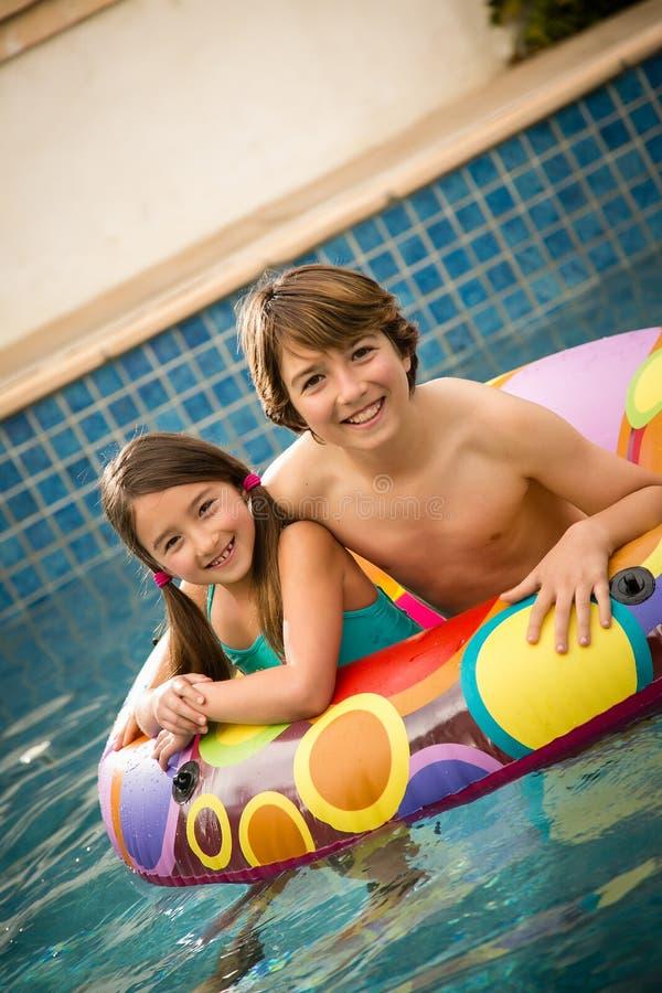 Dziecko pływacki basen zdjęcia royalty free