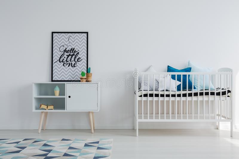 Dziecko pokój w scandi mieszkaniu zdjęcia royalty free