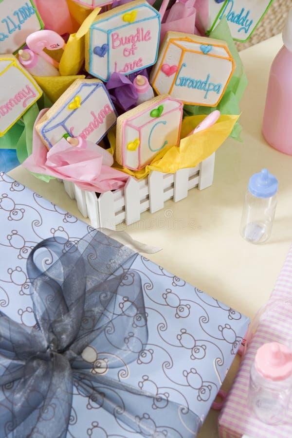 Dziecko prysznic prezenty Na stole zdjęcie royalty free