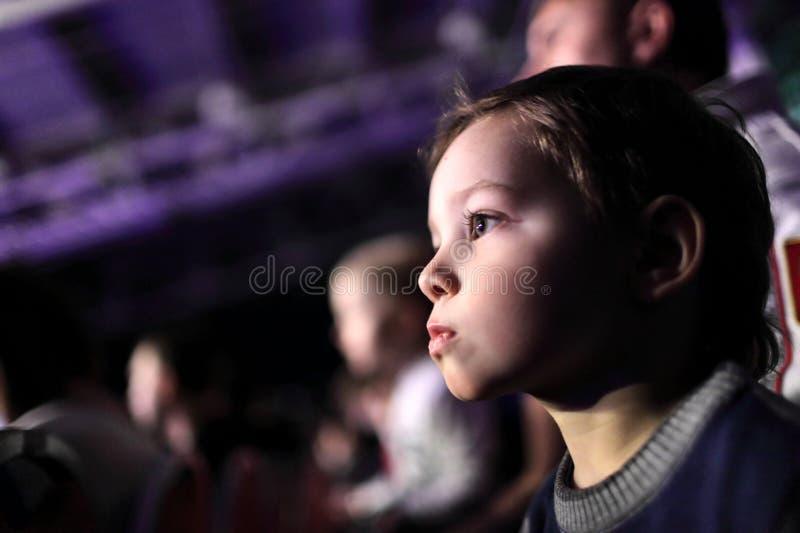 Dziecko przy koncertem zdjęcia royalty free