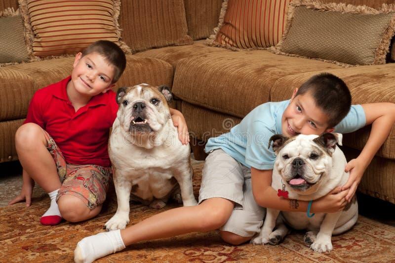 dziecko psy zdjęcie royalty free