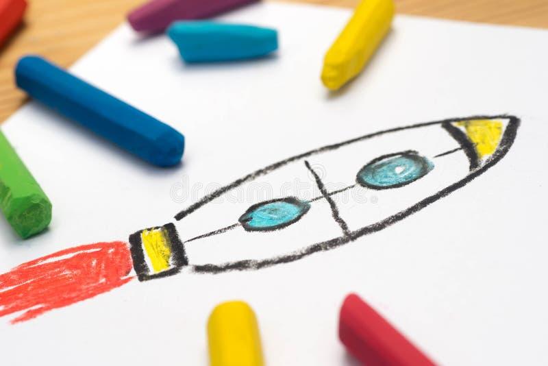 Dziecko rysunek, rakieta, selekcyjna ostrość obrazy stock