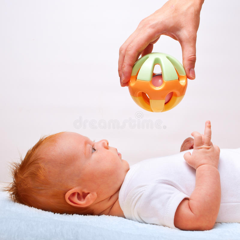dziecko target1298_0_ małą zabawkę obraz stock
