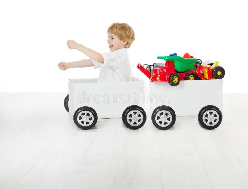 Dziecko target59_1_ pudełkowatego samochód i furgon z zabawkami zdjęcie stock