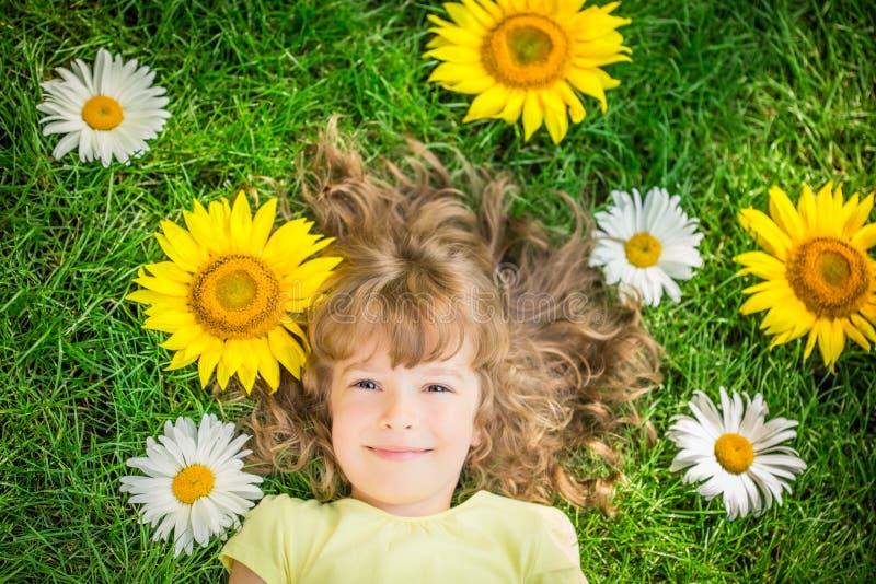 Dziecko w wiośnie zdjęcie royalty free