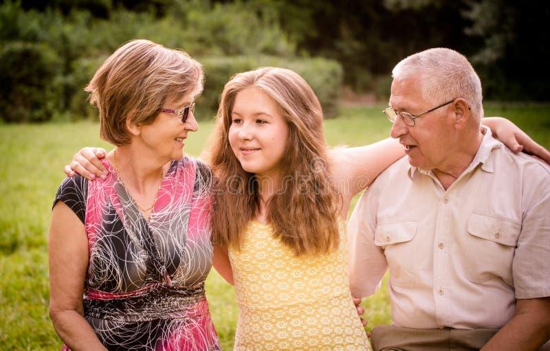 Dziecko z dziadkami zdjęcia royalty free