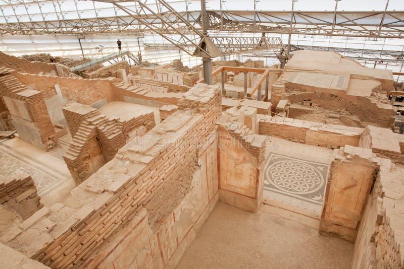 Dziejowy Ephesus miasta kompleks domy na skłonie z rujnującymi tarasami od Romańskiego okresu fotografia royalty free