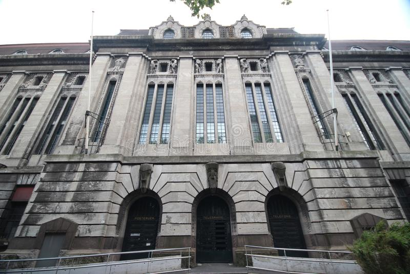 Dziejowy i zaniechany postofice Rotterdam przy Coolsingel obrazy royalty free