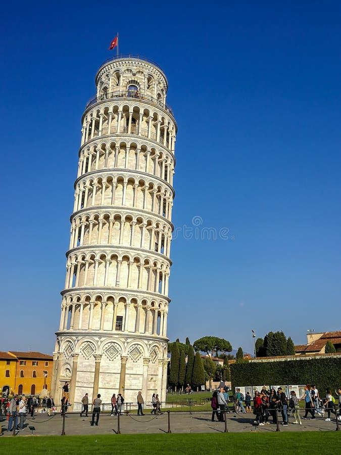 Dziejowy oparty wierza w Pisa obrazy stock