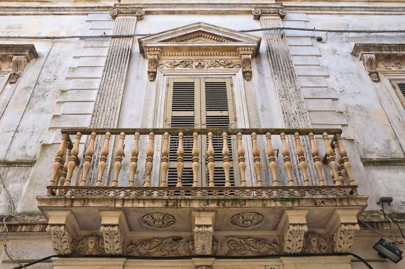 Dziejowy pałac. Mesagne. Puglia. Włochy. obraz royalty free