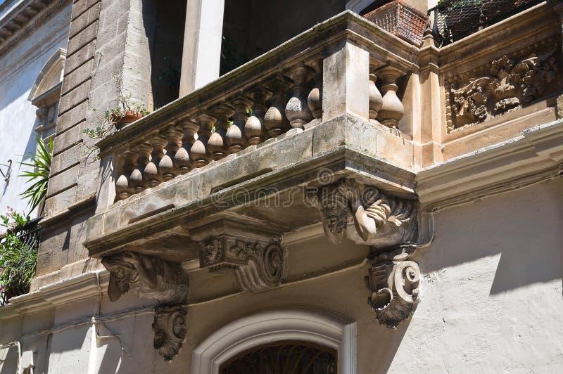 Dziejowy pałac. Oria. Puglia. Włochy. zdjęcie royalty free
