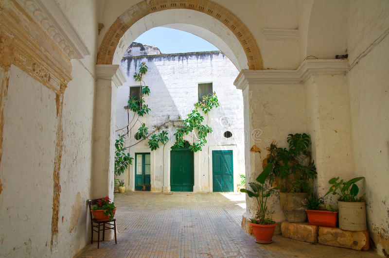Dziejowy pałac. Specchia. Puglia. Włochy. fotografia stock