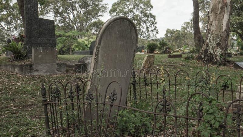 Dziejowy pusty headstone zdjęcia royalty free