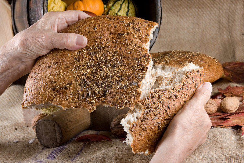 dzielenie chleba obraz royalty free