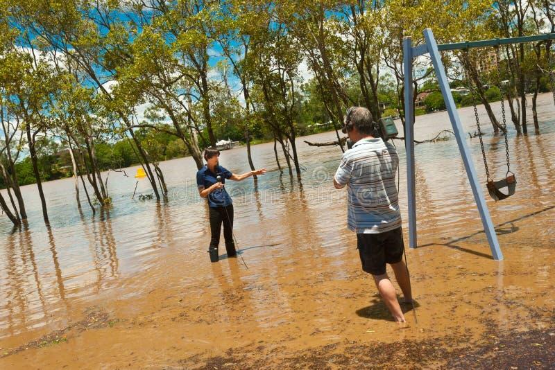 Dziennikarz w powodzi zdjęcie stock