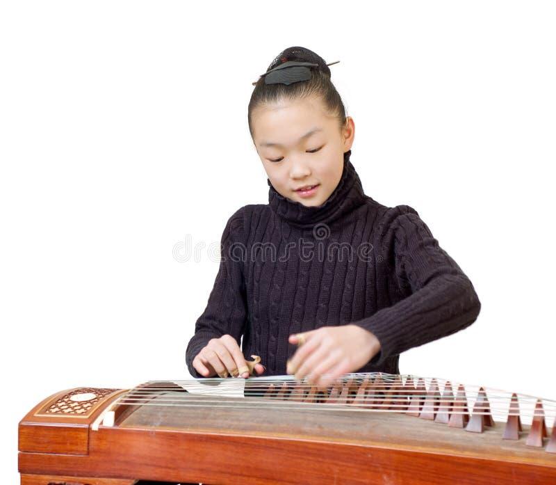 dziewczyn guzheng występ fotografia stock
