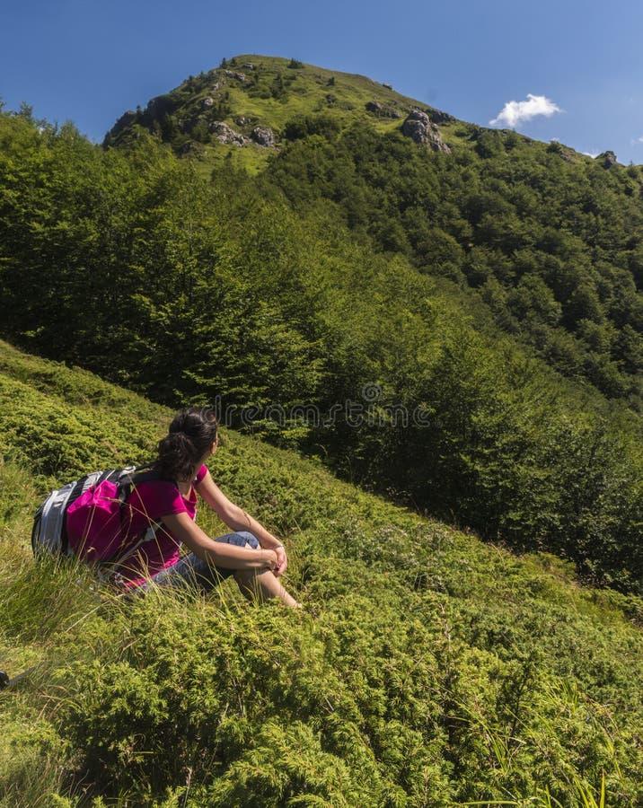 dziewczyn piękne góry Nieprawdopodobny widok Troya obrazy royalty free