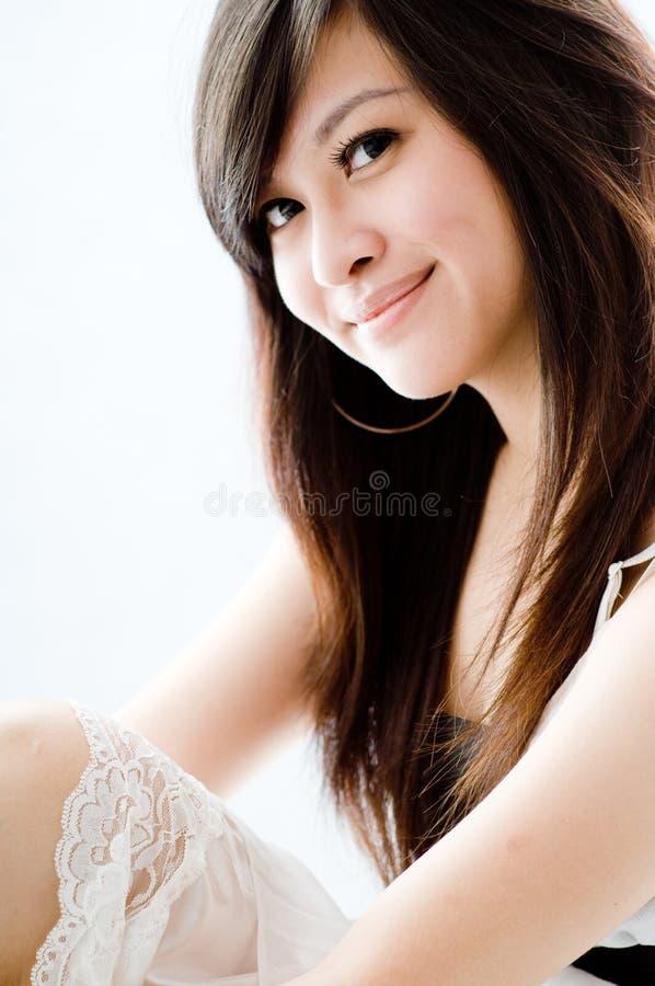 Download Dziewczyna azjatykcia obraz stock. Obraz złożonej z smiling - 4043473