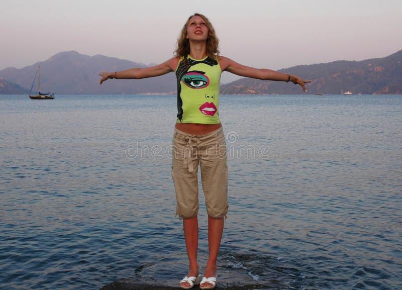 dziewczyna blisko morza obrazy royalty free