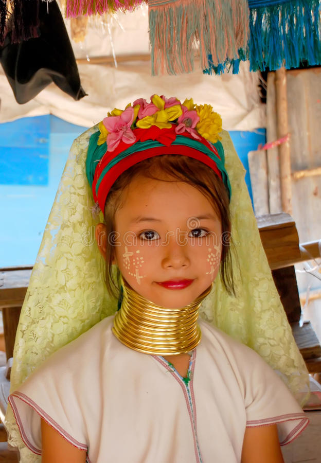 dziewczyna blisko Pattaya plemienia Karen fotografia royalty free