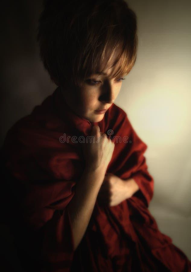 dziewczyna ciemniuteńka obraz stock