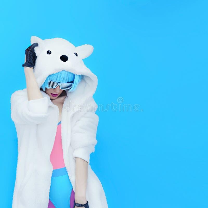 Dziewczyna DJ Szalony zimy przyjęcie Świetlicowy tana styl zdjęcia stock