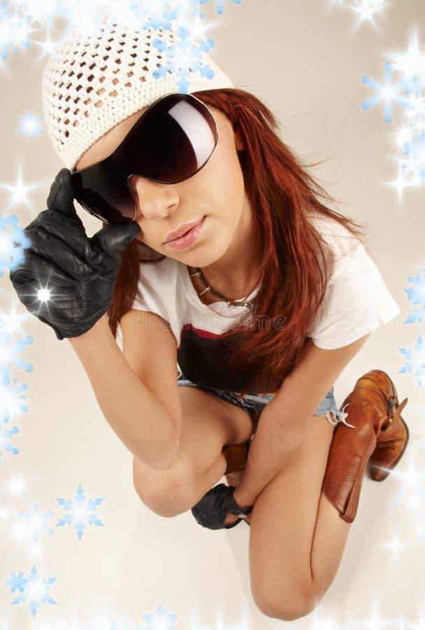 dziewczyna duży chłodno okulary przeciwsłoneczne zdjęcie stock