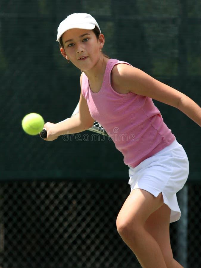 dziewczyna gra w tenisa zdjęcia stock
