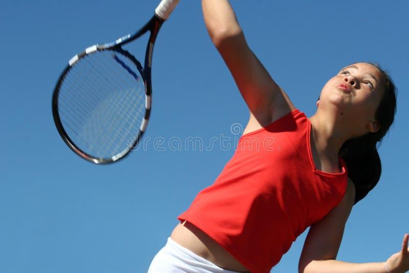 Download Dziewczyna gra w tenisa zdjęcie stock. Obraz złożonej z lifestyle - 128684