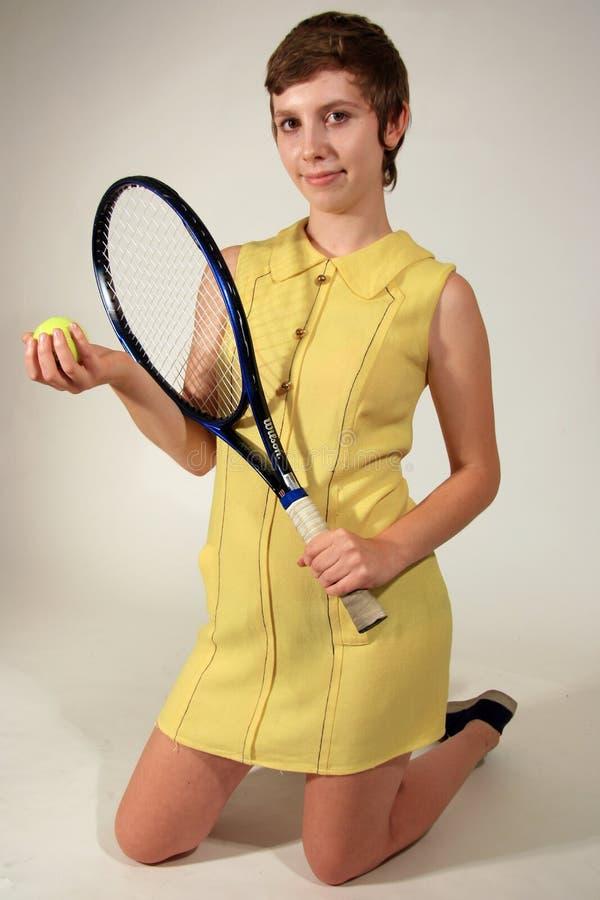 dziewczyna gracza tenis styl retro fotografia royalty free