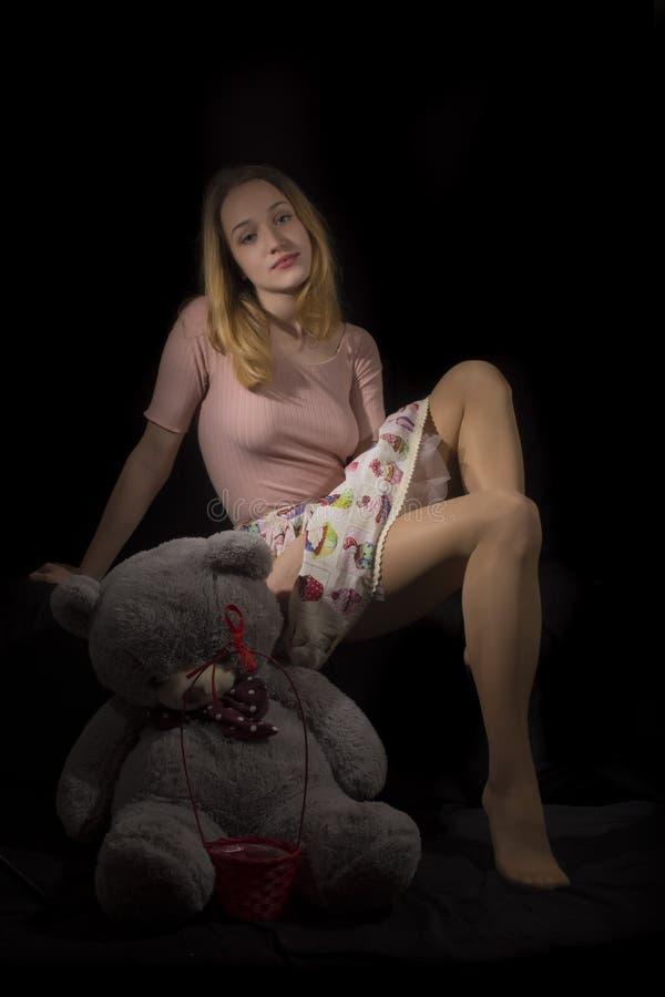 Dziewczyna i Miś pluszowy zdjęcia royalty free