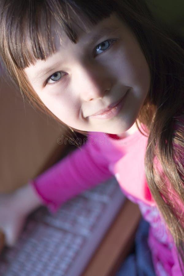 dziewczyna komputerowa fotografia stock