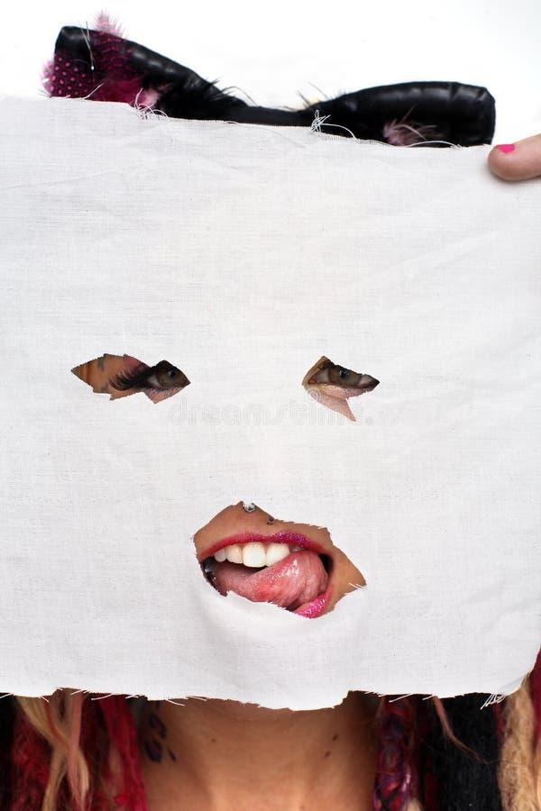 dziewczyna maskująca zdjęcia royalty free