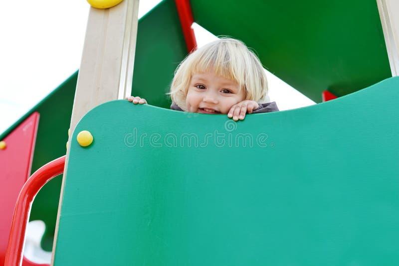 Dziewczyna na boisku obrazy royalty free