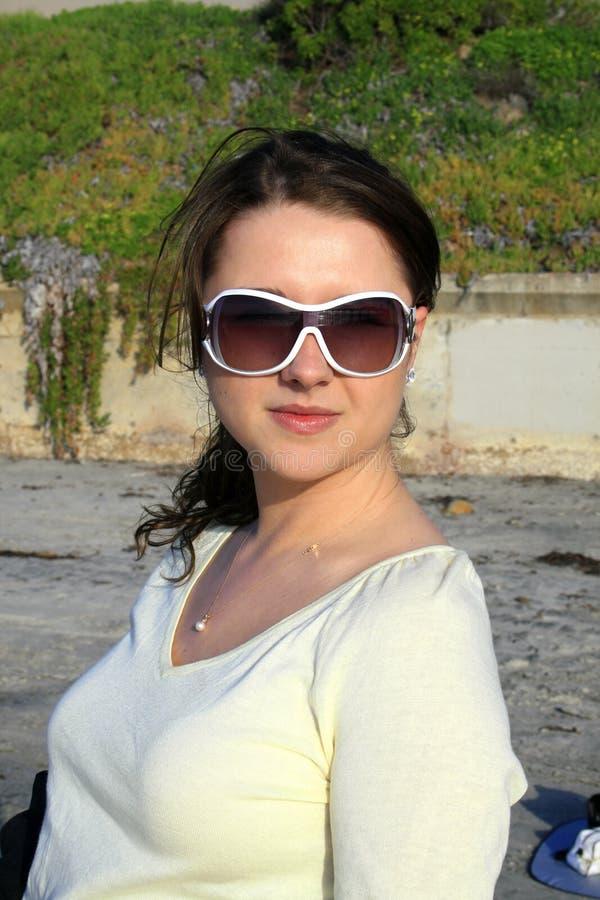 dziewczyna na plaży portret obrazy stock