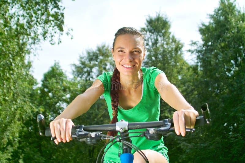 dziewczyna na rowerze zdjęcie royalty free