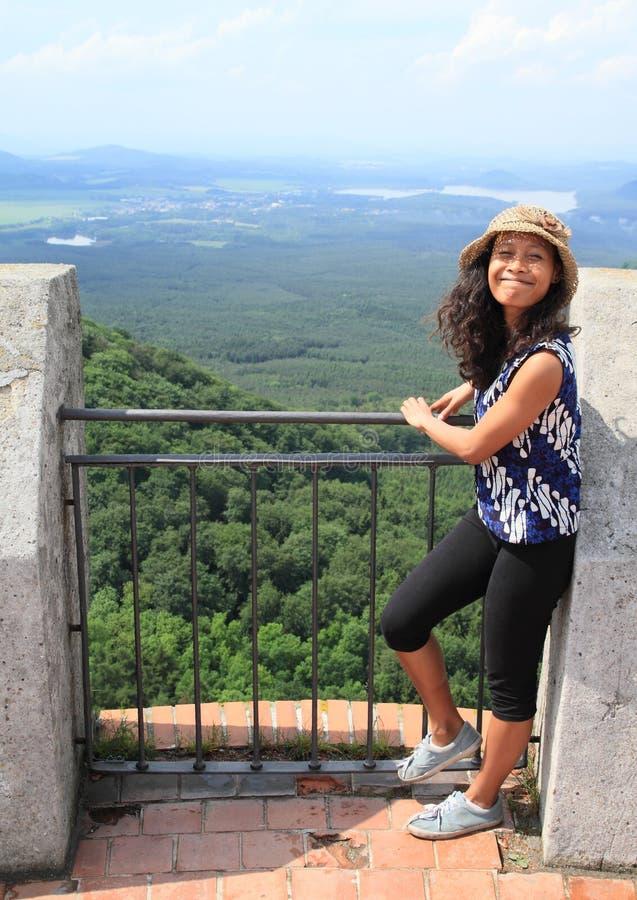 Dziewczyna na wierza Grodowy Bezdez obraz stock