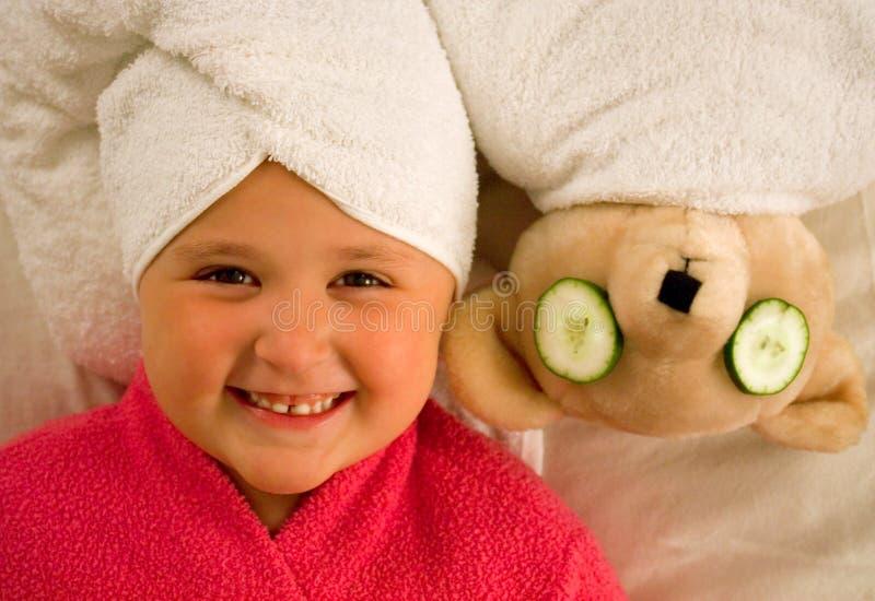 dziewczyna niedźwiadkowi ręczniki fotografia royalty free