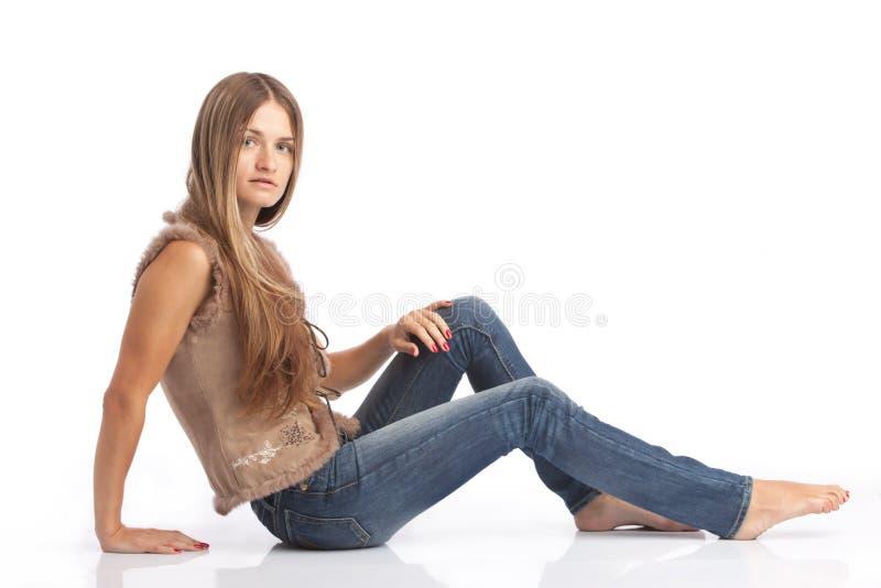 dziewczyna opierająca zdjęcie royalty free