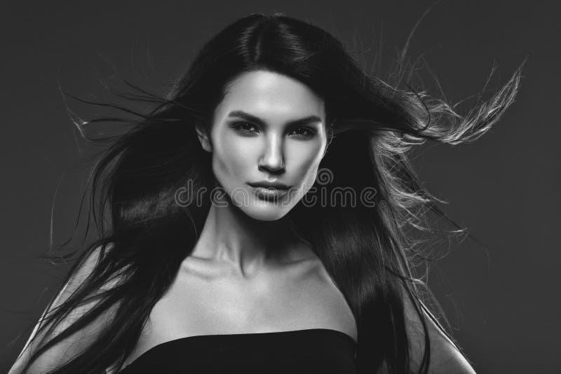dziewczyna piękny latający włosy tęsk obrazy stock