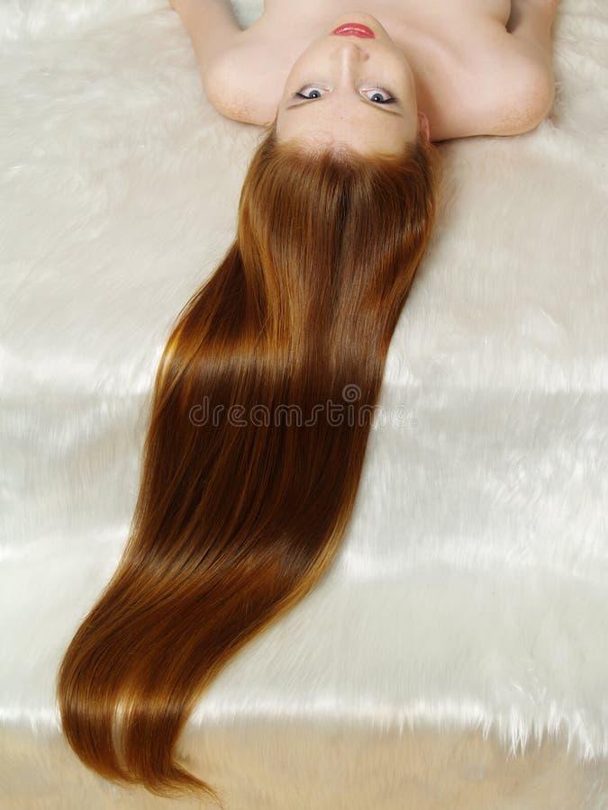 dziewczyna piękny włosy tęsk czerwień zdjęcie stock