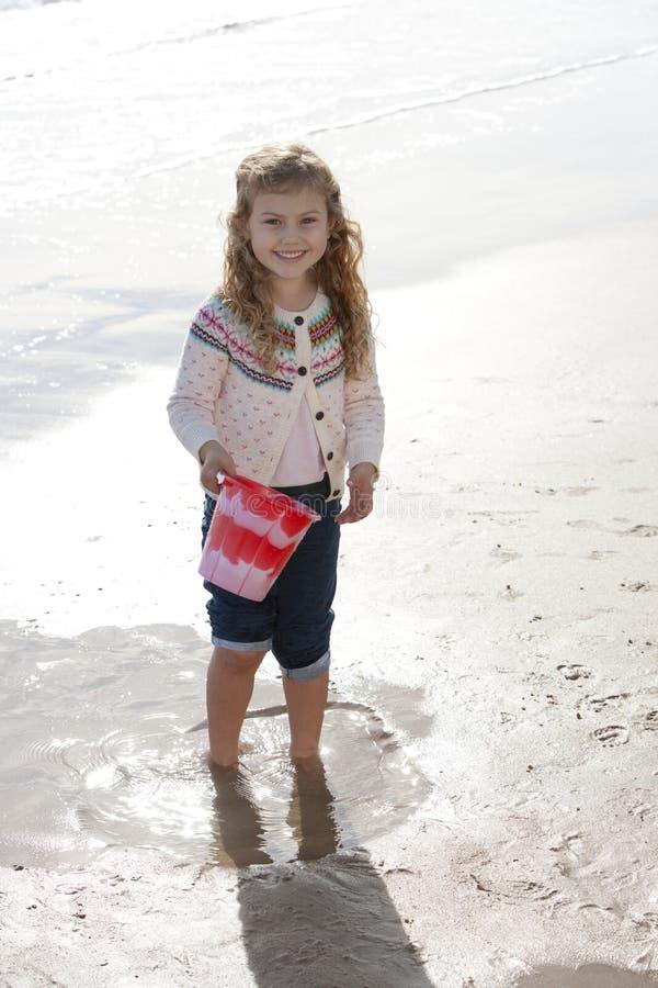 dziewczyna plażowa trochę zdjęcie stock