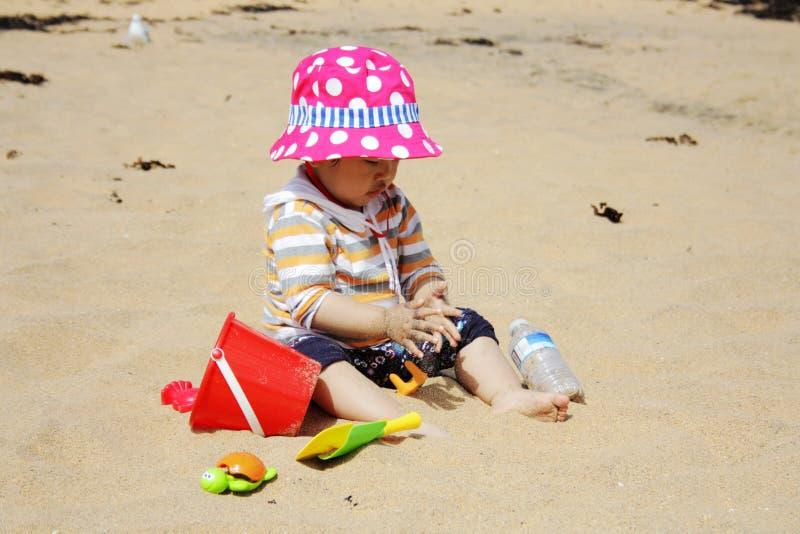 dziewczyna plażowa trochę zdjęcia stock