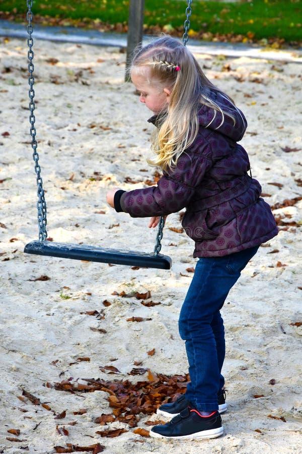 Dziewczyna przy boiskiem obrazy royalty free