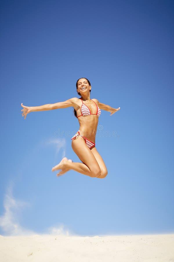Download Dziewczyna radosna zdjęcie stock. Obraz złożonej z model - 20418760
