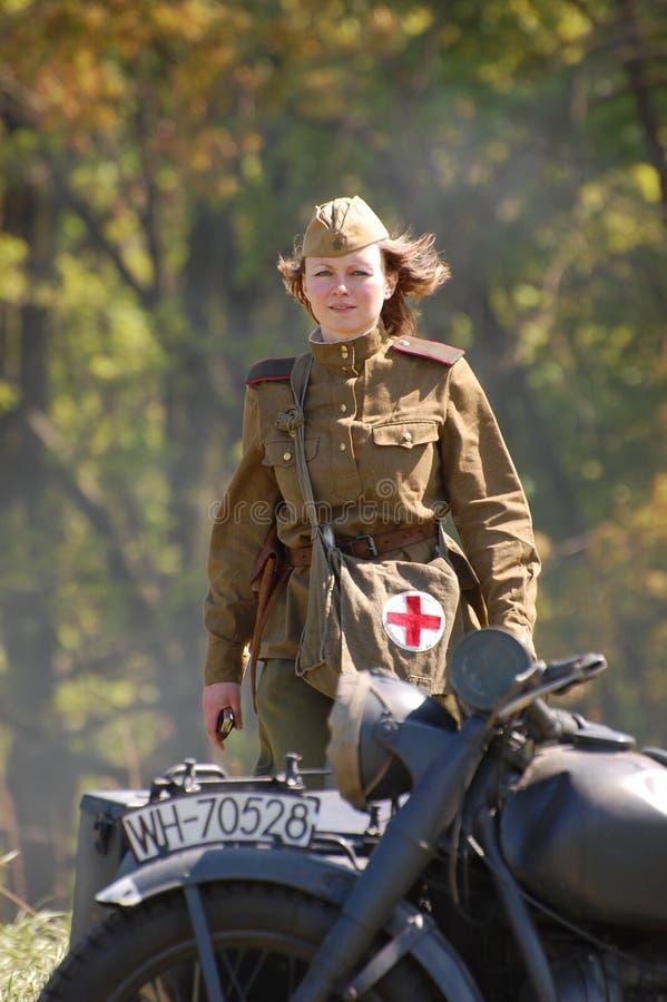 dziewczyna razem sowiecki ww2 żołnierza zdjęcia royalty free