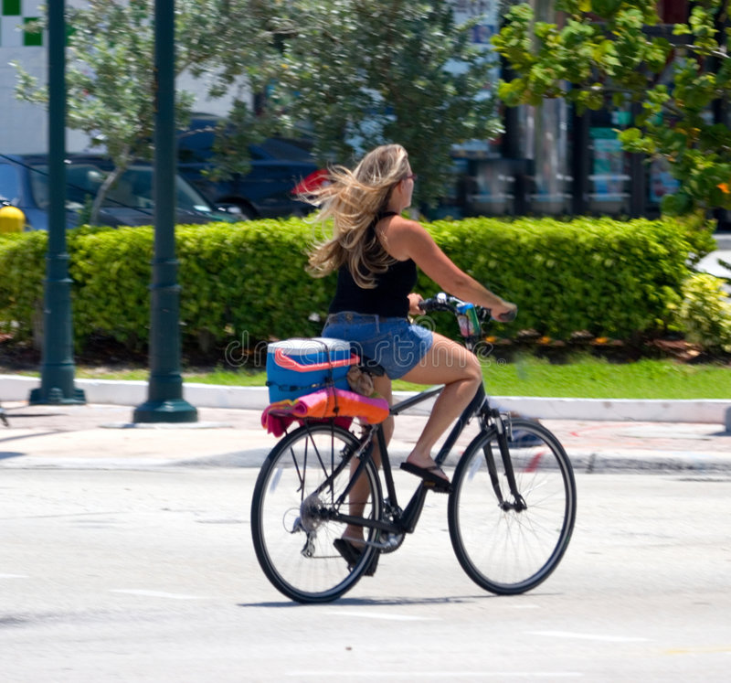 dziewczyna rowerów fotografia stock