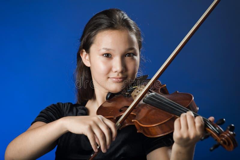 dziewczyna skrzypce. obrazy royalty free