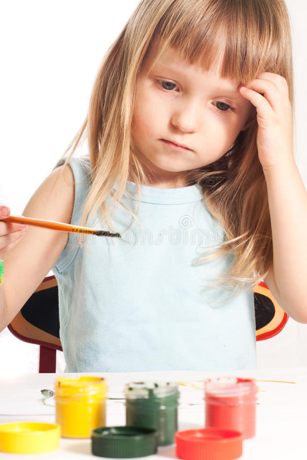 Download Dziewczyna stół zdjęcie stock. Obraz złożonej z pokój - 13340222